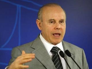 O-ministro-Guido-Mantega-e-italianoFoto-deGustavo-Miranda