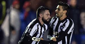 Botafogo vence nacional