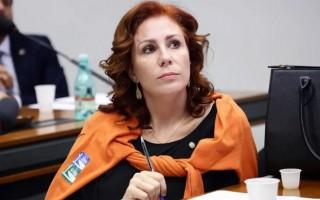 A deputada Carla Zambelli foi uma das suspensas do PSL
